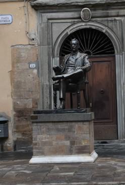 Puccini Denkmal in Lucca