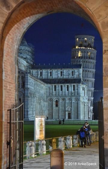 Nachtaufnahme Piazza dei Miracoli